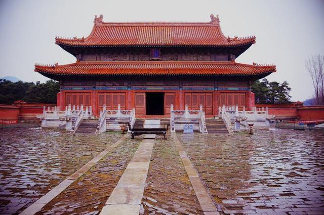 Lăng mộ Khang Hy từng xảy ra 3 sự kiện kỳ bí: Ám ảnh người chứng kiến - Ảnh 1.