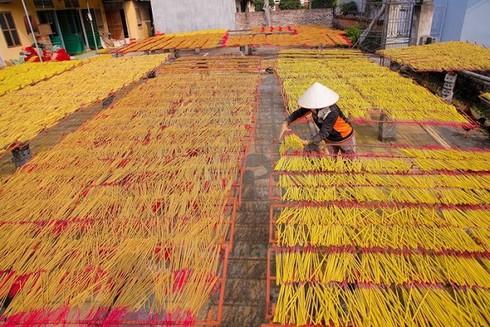 Ấn Độ đột ngột hạn chế nhập khẩu hương nhang, cả trăm doanh nghiệp Việt điêu đứng - Ảnh 1.