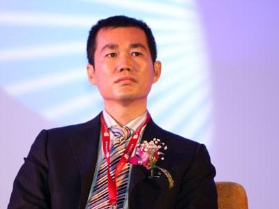 """17 tuổi khởi nghiệp với cây kèn đồ chơi, biến 100 USD thành """"Disney của Trung Quốc"""" trị giá 4,1 tỷ USD, là ông trùm đứng sau """"Cừu vui vẻ và Sói xám"""" - Ảnh 1."""