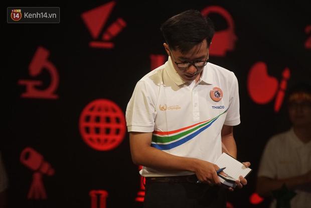 Nắm giữ đến 3 trong 4 kỷ lục Olympia 2019, Nguyễn Bá Vinh tiếc nuối khi không giành chiến thắng tại trận chung kết năm - Ảnh 1.