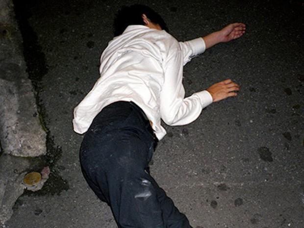 Chùm ảnh về các doanh nhân ngủ trên đường phố mô tả chân thực về văn hóa làm việc khắc nghiệt nhất thế giới của Nhật Bản - Ảnh 20.