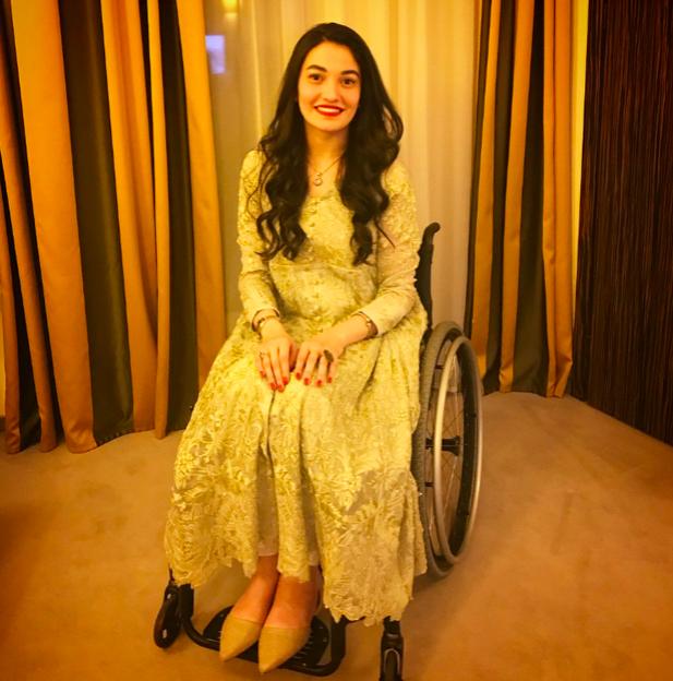 Bị ép cưới năm 18 tuổi, gặp tai nạn xe hơi đến mất khả năng sinh con, tật nguyền: Góp mặt trong Forbes 30 Under 30, cô gái Pakistan này truyền cảm hứng đến hàng triệu người - Ảnh 1.