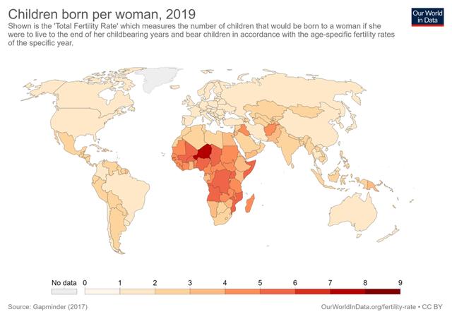 Góc nhìn kinh tế từ nhận định của Bí thư Nguyễn Thiện Nhân: Tại sao đất nước sẽ chao đảo nếu phụ nữ không sinh ít nhất 2 con?  - Ảnh 2.