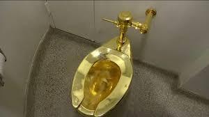 Bồn cầu bằng vàng trị giá 139 tỷ đồng bị đánh cắp - Ảnh 3.