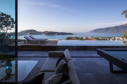 Nhà gỗ kính trác tuyệt hướng trọn ra biển Nha Trang - Ảnh 4.