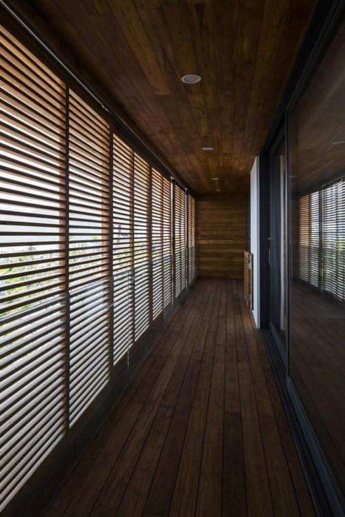 Nhà gỗ kính trác tuyệt hướng trọn ra biển Nha Trang - Ảnh 9.