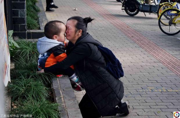 Những đứa trẻ không được xã hội thừa nhận và bi kịch chất chồng của những bà mẹ đơn thân, không chồng mà chửa ở Trung Quốc - Ảnh 5.