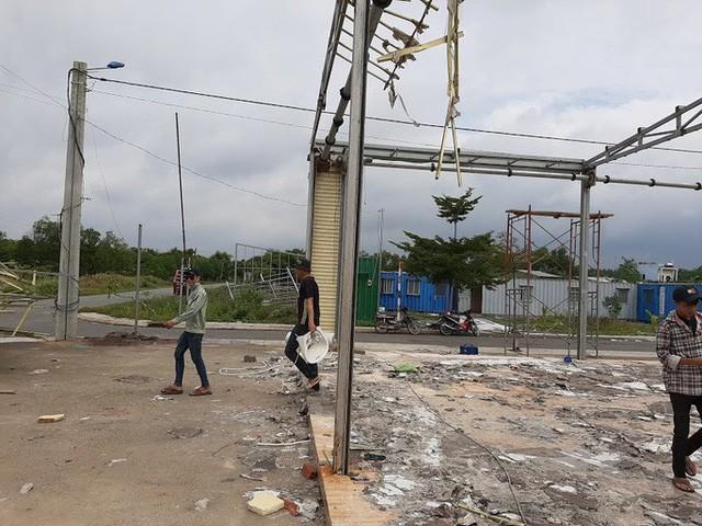 Cận cảnh hoang tàn ở các văn phòng, dự án khi ông chủ Alibaba xộ khám - Ảnh 4.