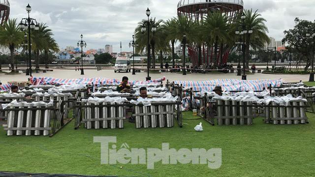 'Đột kích' trận địa pháo hoa mừng Quốc khánh trước giờ khai hỏa ở TPHCM  - Ảnh 14.