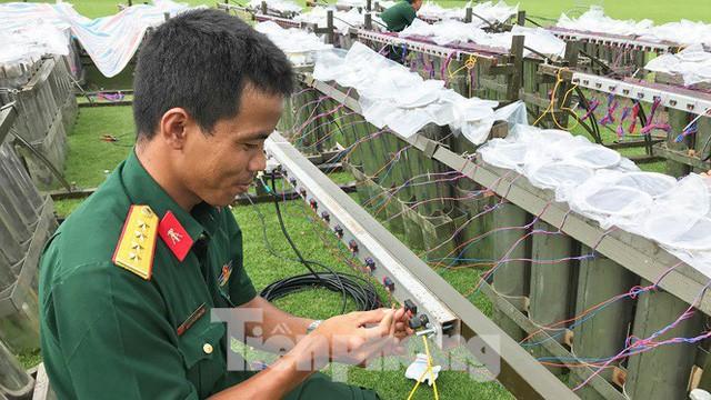 'Đột kích' trận địa pháo hoa mừng Quốc khánh trước giờ khai hỏa ở TPHCM  - Ảnh 6.
