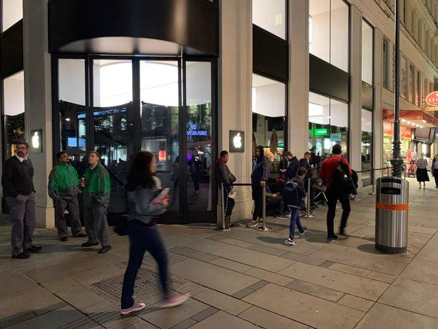 Mở bán iPhone 11 toàn cầu: Không còn tình trạng thất thủ như mọi năm - Ảnh 6.