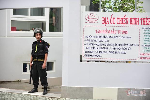 Cuốn sách Nguyễn Thái Luyện dạy nhân viên Alibaba lừa 100 người thân - Ảnh 2.