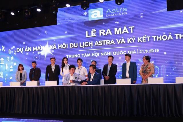 Mạng xã hội Astra được Shark Hưng rót 1 triệu USD vừa chính thức ra mắt: Đi vào thị trường ngách là du lịch, sử dụng blockchain để minh bạch hoạt động, sẽ có đồng tiền điện tử riêng - Ảnh 1.