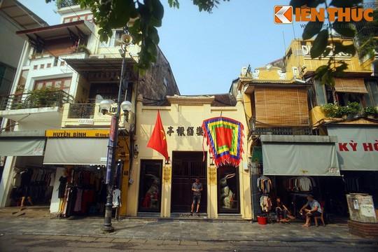 Bí mật giấu kín trong nhà cổ nổi tiếng nhất phố Hàng Đào - Ảnh 1.