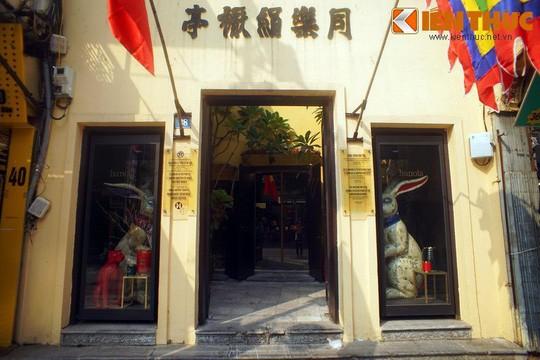 Bí mật giấu kín trong nhà cổ nổi tiếng nhất phố Hàng Đào - Ảnh 2.