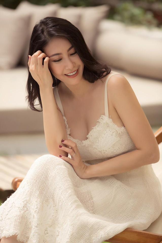Hoa hậu có xuất thân khủng nhất Việt Nam: Cuộc đời long đong lận đận, trải qua sóng gió mới tìm thấy hạnh phúc - Ảnh 2.