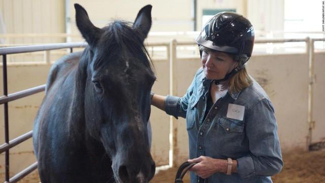 Kỳ lạ giới doanh nhân, CEO đổ xô đi xem huấn luyện ngựa: Đừng nghĩ đây là trò vô bổ, nghệ thuật lãnh đạo đằng sau mới là điều đáng ngẫm!  - Ảnh 1.