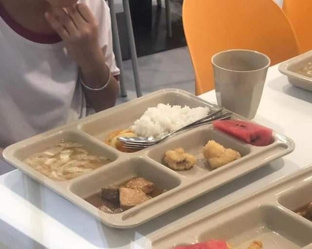 Nhiều học sinh trường Việt Úc đau bụng, nôn ói sau bữa trưa - Ảnh 1.