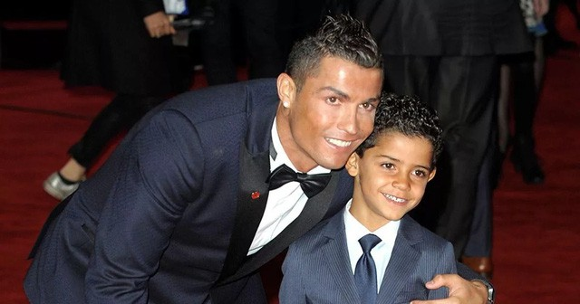 Ông bố Ronaldo nổi tiếng đào hoa, sát gái nhưng dạy con lại vô cùng chỉn chu và đáng ngưỡng mộ  - Ảnh 1.