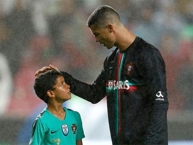 Ông bố Ronaldo nổi tiếng đào hoa, sát gái nhưng dạy con lại vô cùng chỉn chu và đáng ngưỡng mộ  - Ảnh 4.