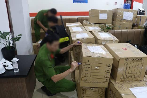 Sau 3 ngày, gần 1.000 khách hàng tới công an tố cáo công ty Alibaba lừa đảo - Ảnh 2.