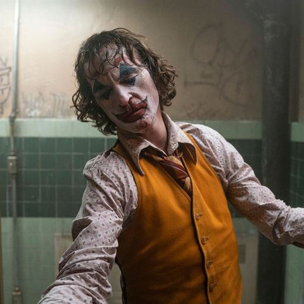 Joker bị chỉ trích vì chứa nhiều cảnh bạo lực, Warner Bros vội lên tiếng bênh vực con cưng! - Ảnh 2.