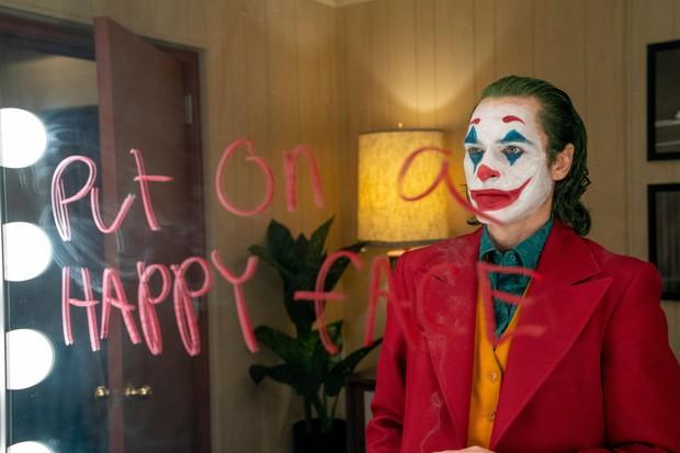 Joker bị chỉ trích vì chứa nhiều cảnh bạo lực, Warner Bros vội lên tiếng bênh vực con cưng! - Ảnh 3.