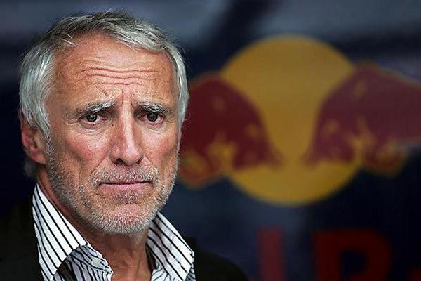 Gia tộc Red Bull: Ông nội từ tay trắng thành tỷ phú Thái Lan, cháu đích tôn sống xa xỉ, lái xe gây tai nạn chết người vẫn chưa đền tội - Ảnh 4.