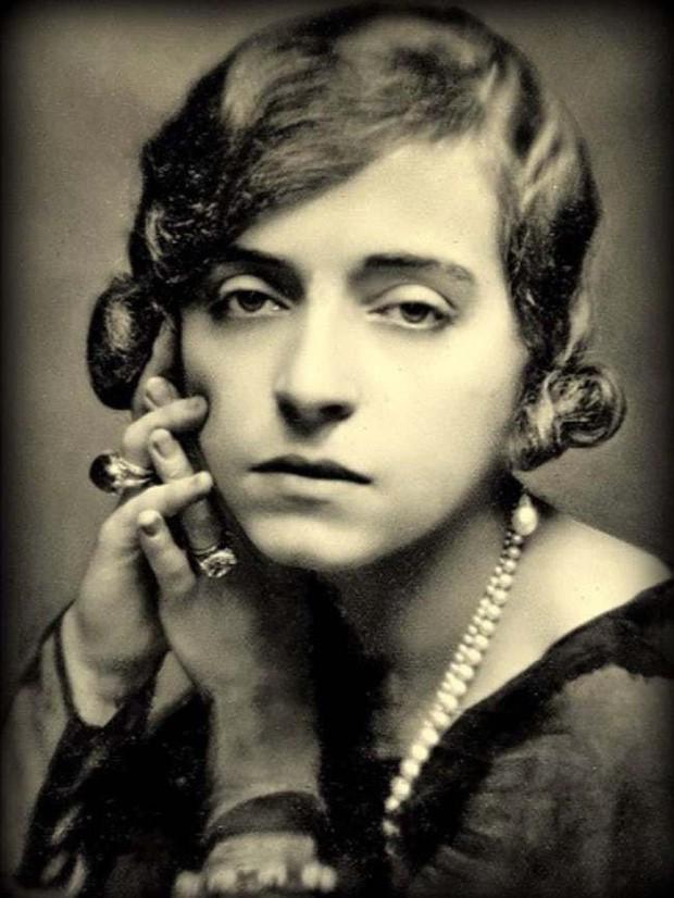 Cuộc đời thăng trầm của Marguerite Alibert: Từ gái lầu xanh đổi phận thành công chúa, uy hiếp cả hoàng gia để thoát tội sát nhân - Ảnh 1.
