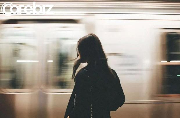 10 lời khuyên về hạnh phúc mà phụ nữ nên biết trước tuổi 30: Đừng tự so sánh mình với người khác để tạo áp lực không cần thiết - Ảnh 1.