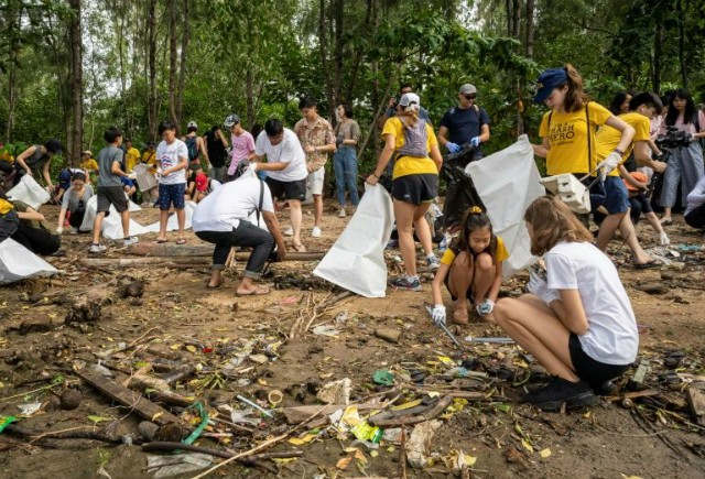 Trẻ em Thái Lan và mâu thuẫn rác thải nhựa - Ảnh 2.