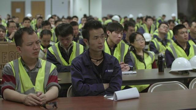 Phim đầu tay của vợ chồng cựu Tổng thống Barack Obama: Không được chiếu chính thức nhưng vẫn đạt gần 1 triệu lượt xem ở Trung Quốc, gây tranh cãi lớn cho cộng đồng mạng - Ảnh 2.