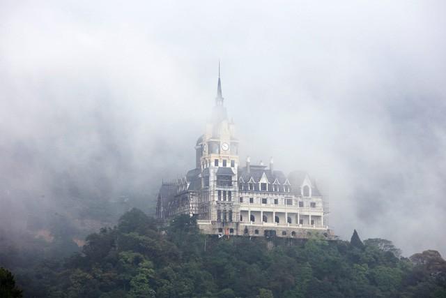 Đại gia BĐS kín tiếng tiết lộ gì về lâu đài khủng trên đỉnh tam đảo? - Ảnh 14.