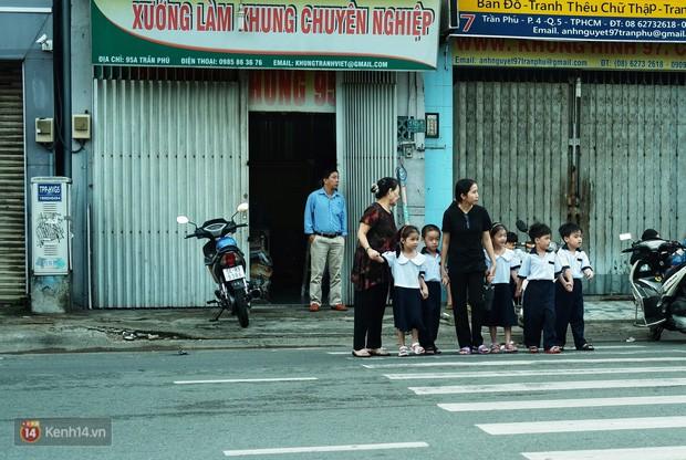 5 siêu nhân nhí trong ca sinh năm đầu tiên ở Việt Nam lém lỉnh ngày khai giảng: Xin chào lớp 1! - Ảnh 13.