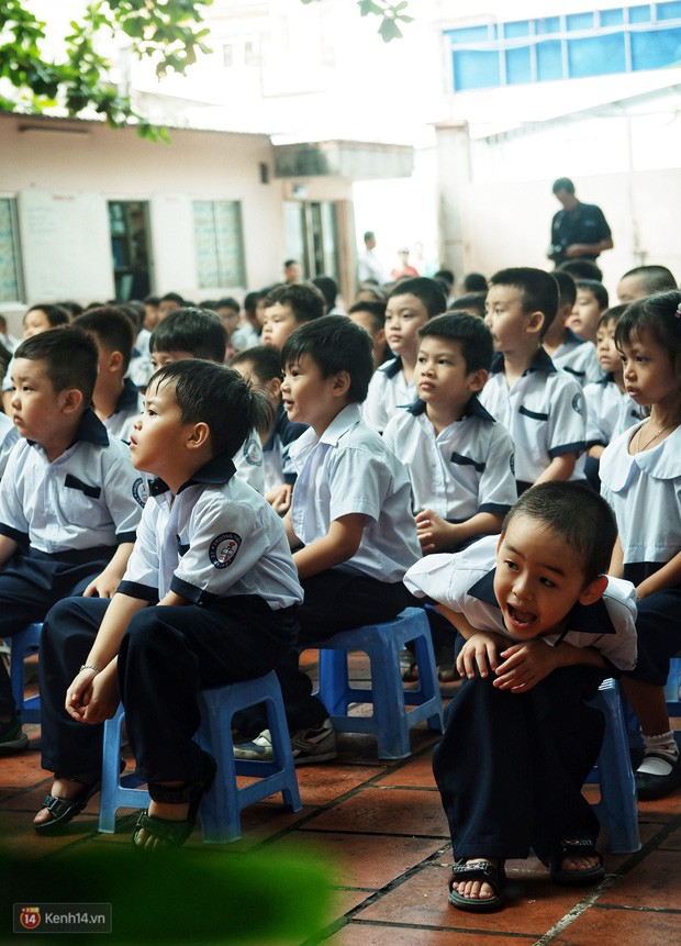 5 siêu nhân nhí trong ca sinh năm đầu tiên ở Việt Nam lém lỉnh ngày khai giảng: Xin chào lớp 1! - Ảnh 18.