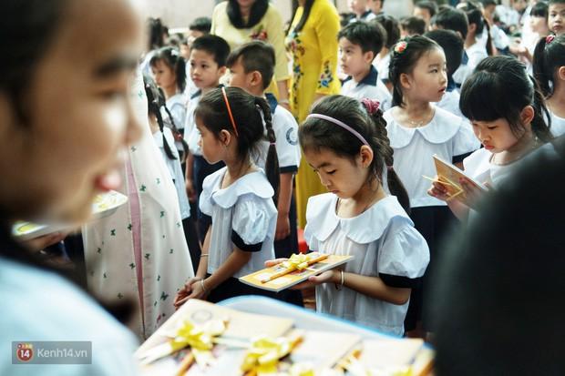 5 siêu nhân nhí trong ca sinh năm đầu tiên ở Việt Nam lém lỉnh ngày khai giảng: Xin chào lớp 1! - Ảnh 19.