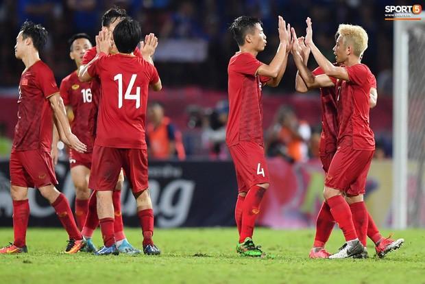 BLV Quang Huy có câu phát biểu viral sau trận đấu, nghe có vẻ khiêm tốn nhưng lại rất thuyết phục - Ảnh 1.