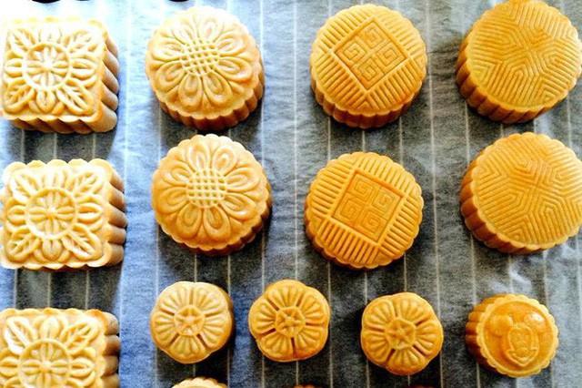Nhộn nhạo thị trường bánh Trung thu: Chuyên gia dinh dưỡng chỉ ra tiêu chí quan trọng nhất để mua đúng loại bánh vừa ngon vừa đảm bảo sức khỏe - Ảnh 2.