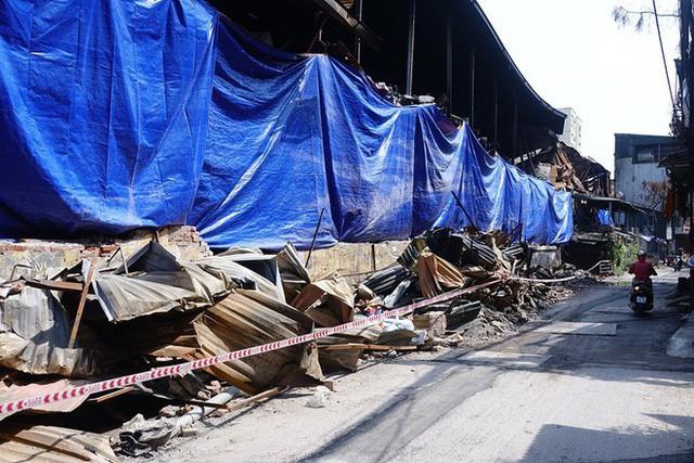 Chủ tịch Quận Thanh Xuân nói về hậu vụ cháy công ty Rạng Đông: Chúng tôi đã công bố công khai, kịp thời!  - Ảnh 1.
