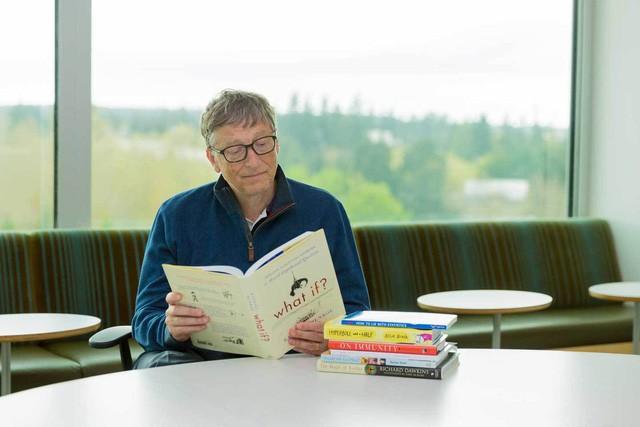 Học ngay cách ghi nhớ những gì đã đọc của Bill Gates: Bí quyết hóa ra cực đơn giản, chỉ gồm 2 chữ bối cảnh  - Ảnh 1.