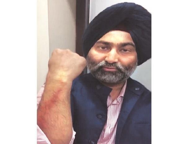 """Drama """"Người thừa kế"""" phiên bản thực: Anh em Singh đánh mất 2 tỷ USD, làm sụp đổ đế chế dược phẩm lớn nhất Ấn Độ chỉ vì đức tin mê muội, """"chiến"""" nhau hơn cả trong phim - Ảnh 5."""