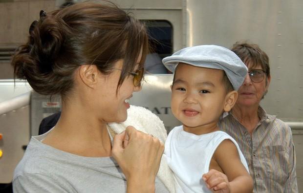 Maddox Jolie-Pitt: Đứa trẻ mồ côi đổi đời nhờ Angelina nhận nuôi, đối đầu bố để bảo vệ mẹ và quyết định bất ngờ ở xứ Hàn - Ảnh 1.