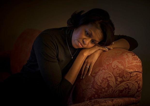- photo 3 15679921205971180800380 - Những bức ảnh đời thường của vợ chồng Obama ngày xưa: Đôi giày rách gắn bó một thời với cựu Tổng thống Mỹ hóa ra có ý nghĩa đặc biệt