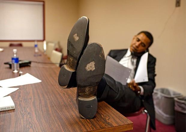 - photo 5 1567992120601903012911 - Những bức ảnh đời thường của vợ chồng Obama ngày xưa: Đôi giày rách gắn bó một thời với cựu Tổng thống Mỹ hóa ra có ý nghĩa đặc biệt