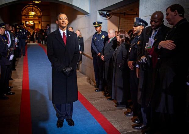- photo 9 15679921206101160995780 - Những bức ảnh đời thường của vợ chồng Obama ngày xưa: Đôi giày rách gắn bó một thời với cựu Tổng thống Mỹ hóa ra có ý nghĩa đặc biệt