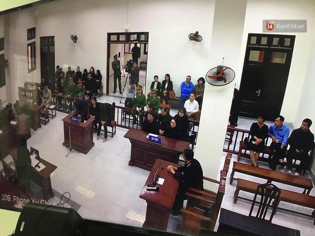 Bị tuyên 24 tháng tù, bà Nguyễn Bích Quy cho rằng mức án quá cao, bản thân không làm gì hổ thẹn lương tâm - Ảnh 4.