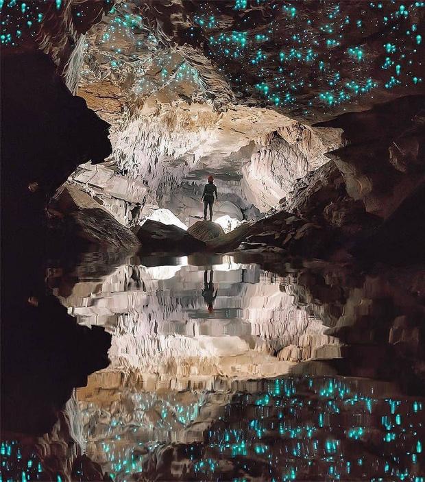 """Tận mắt chiêm ngưỡng """"dải ngân hà dưới lòng đất"""" có thật trên thế giới, tìm ra nguyên nhân các đốm sáng lung linh ai cũng bất ngờ - Ảnh 6."""