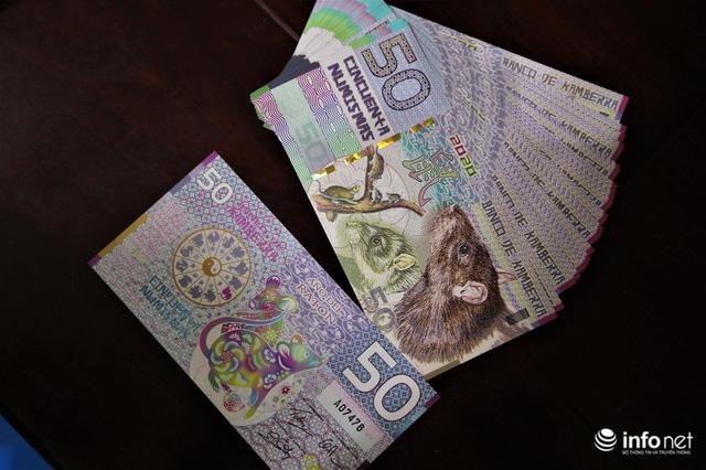 Độc đáo tiền lì xì in hình chuột hút khách trước dịp Tết Nguyên đán Canh Tý - Ảnh 3.