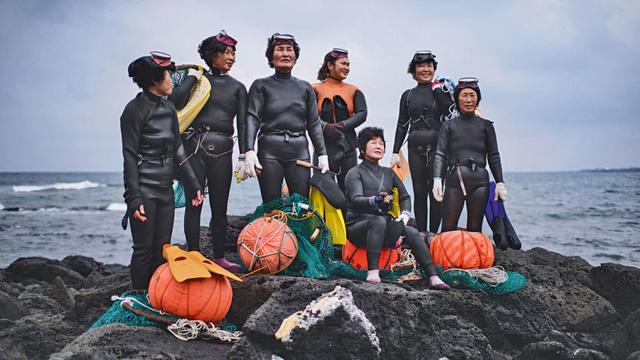 Câu chuyện cực ngầu về những nàng tiên cá 70 tuổi cuối cùng trên đảo Jeju - Ảnh 14.
