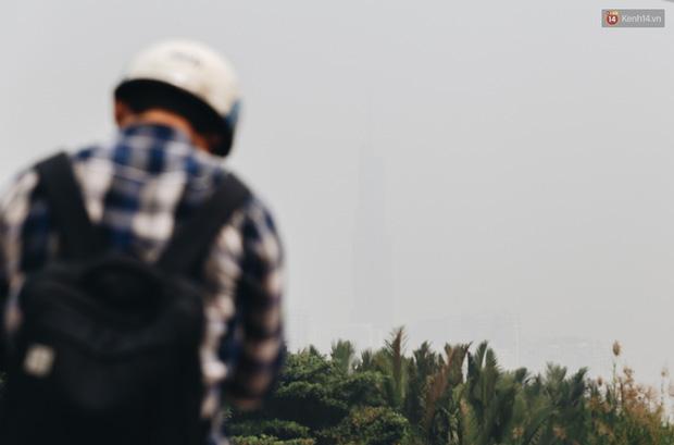 Toà nhà cao nhất Việt Nam mờ ảo trong bụi mù, Sài Gòn tiếp tục bị ô nhiễm nặng những ngày giáp Tết - Ảnh 3.